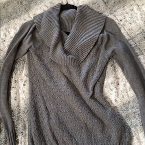GuessSweater